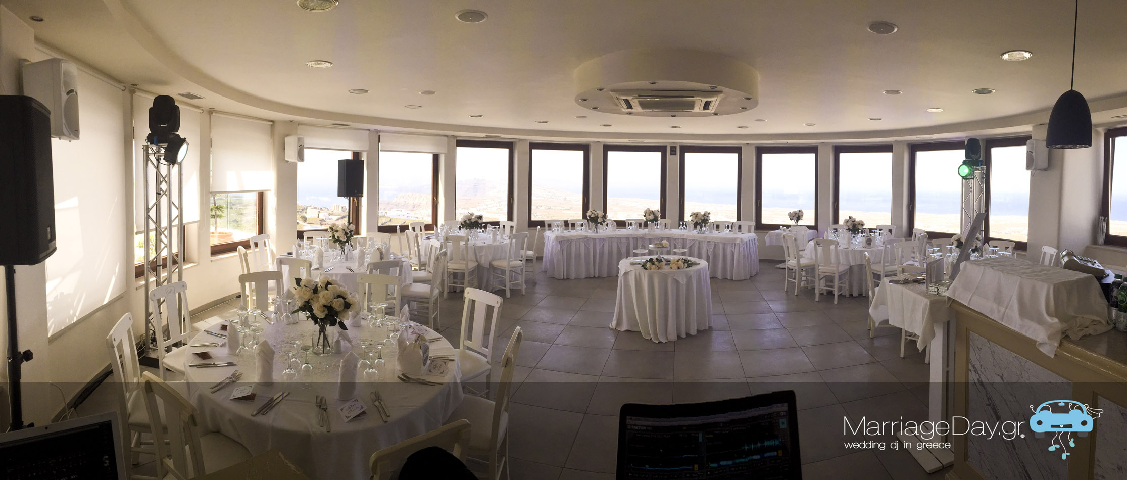 Marriageday.gr Santorini pyrgos dance floor lighting set up
